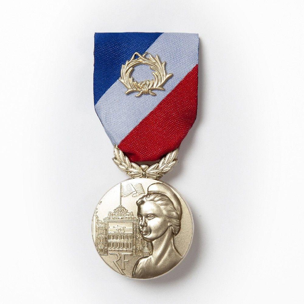 Médaille pendante MSI Or avce agrafe E.F.S.I 2018/2019