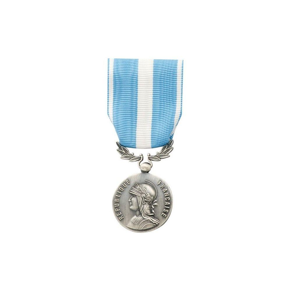 Médaille pendante outre mer